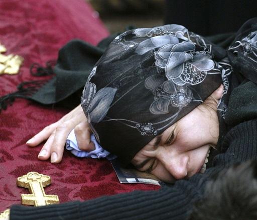Една вековна традиция е на път да умре - жените-оплаквачки на мъртвите (ВИДЕО) Следвай ме - Общество / Вяра