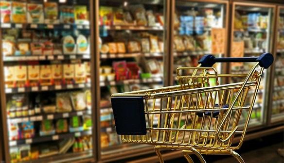 Зелените коридори в магазините за възрастни от сила в неделя Зелените коридори в магазините за пазаруване от възрастни след 65-годишна възраст, влизат в сила в неделя. Целта е хората от рисковите групи да бъдат максимално защитени от коронавируса. Следвай ме - Общество
