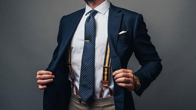 Изпитанието вратовръзка, как се носи? Мъжката вратовръзка е аксесоар, част от мъжкото облекло. Тя подчертава стила на мъжа, който я носи. Следвай ме - Стил