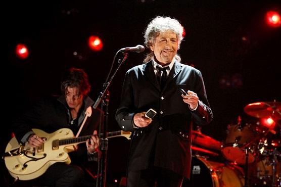 Откупиха авторските права върху песните на Боб Дилън Звукозаписната компания Universal Music Group плати за тях $ 300 млн. Следвай ме - Култура