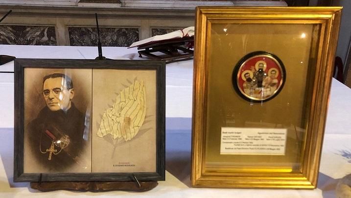 В Рим почетоха българските блажени, жертви на комунизма От Конгрегацията на отците Пасионисти дариха парченце от ризата, с която е разстрелян епископ Евгени Босилков. Следвай ме - Вяра