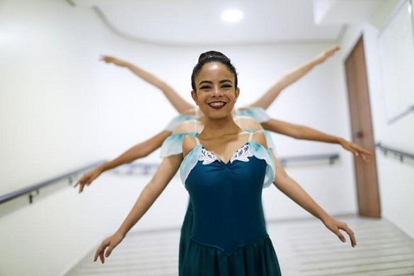Балерина роена без ръце смайва публиката в Бразилия, Следвай ме - Хоби / шоу