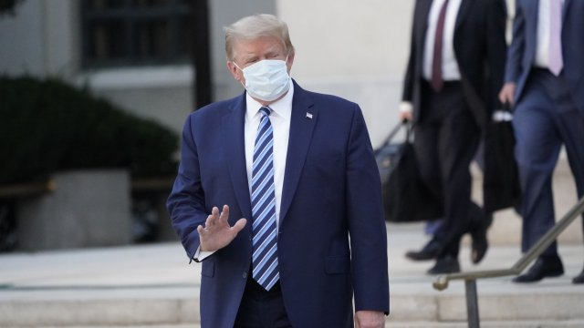 Коктейлът от антитела на Тръмп одобрен в Европа С него доскорошният президент на САЩ беше лекуван в края на 2020-та Следвай ме - Общество / Здраве