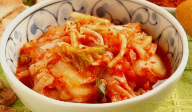 Кимчи облекчава симптомите на COVID-19 Тази корейска салата е богата на антиоксиданти и вещества, които укрепват имунитета и подсилват организма срещу инфекции. Следвай ме - Гурме / Здраве
