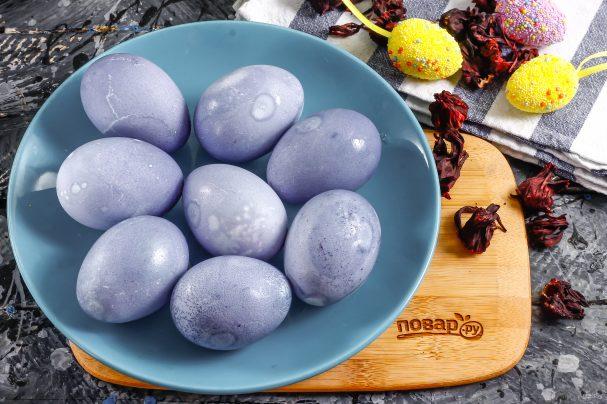 Небесно сини яйца с чай каркаде При по-продължителен престой в отварата се получават лилави. Следвай ме - Гурме