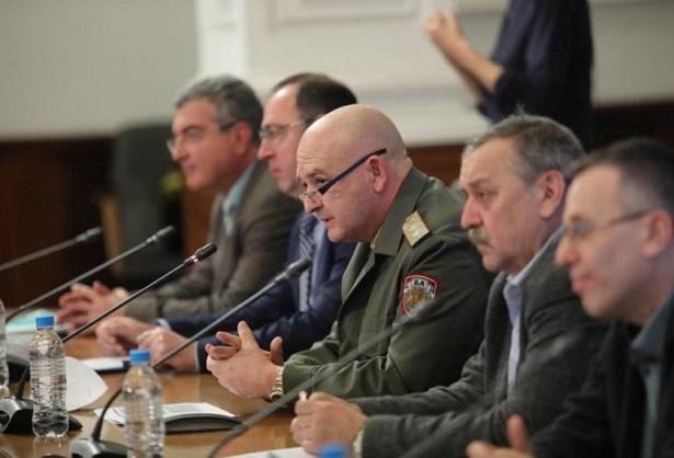 """Закриха Нацоналния оперативен щаб Премиерът в оставка Борисов оеща 750 000 допълнителни дози от ваксината на """"Пфайзер/ Байонтех"""" Следвай ме - Общество / Здраве"""
