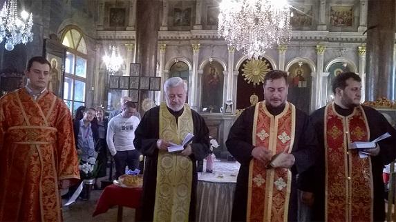 IN MEMORIAM… За един от хилядите български свещеници,на които се крепи Църквата... Ставрофорен иконом Цено Конов бе погребан в двора на храма,в който е служил близо 40 години Следвай ме - Вяра