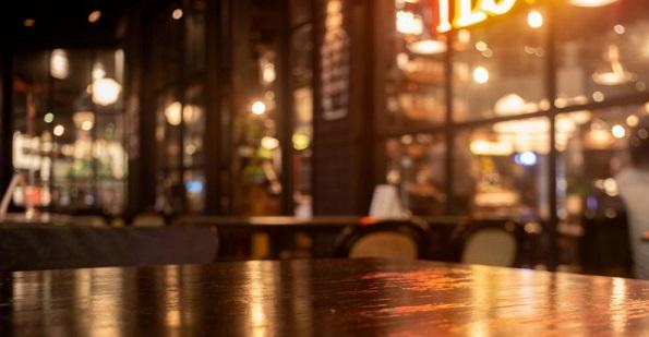 Клиент на бар остави бакшиш от $16 000 Следвай ме - Хоби / Шоу