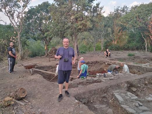Изключителна археологическа находка край Хухла Екипът на Ивайло Кънев откри късноантичен град върху голямо древно светилище на Аполон-Асклепий Следвайме - Култура / Общество
