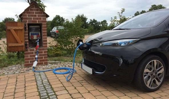 Само електромобили от 2035 година На всеки 60 км магистрала - станция за зареждане, бензиновите и дизеловите двигатели остават в историята. Следвай ме - Общество